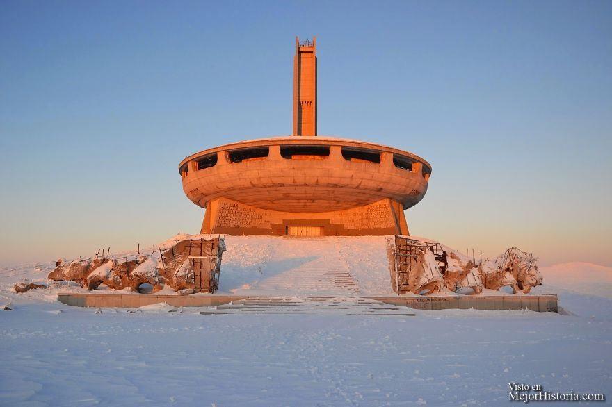 monumento ovni bulgaria