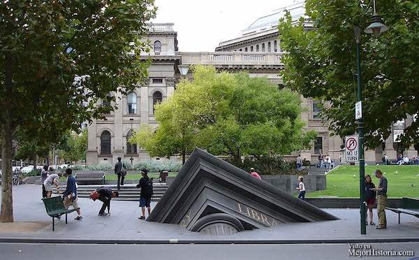 monumentos surrealistas