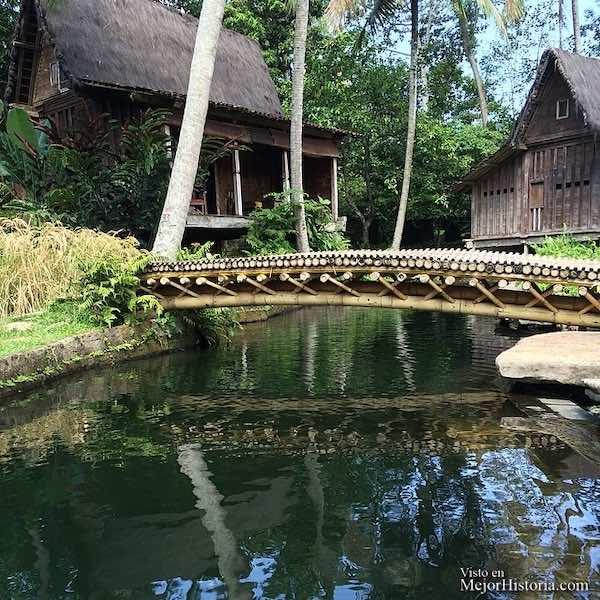 casa con lagos