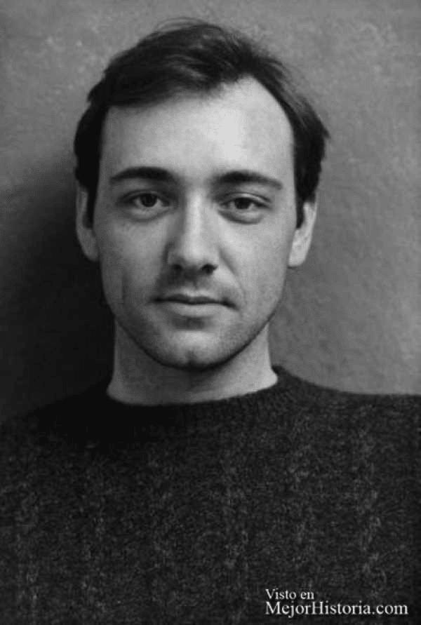 Fotos del pasado hombre guapo con estilo de la década de 1980